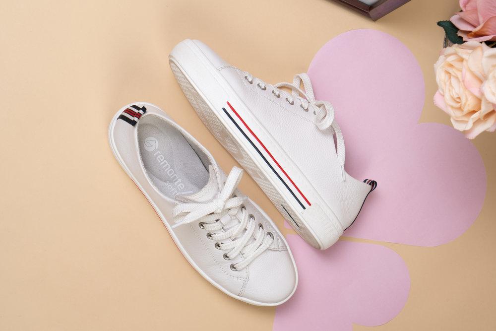D0900-80 Remonte white/stripe trainers