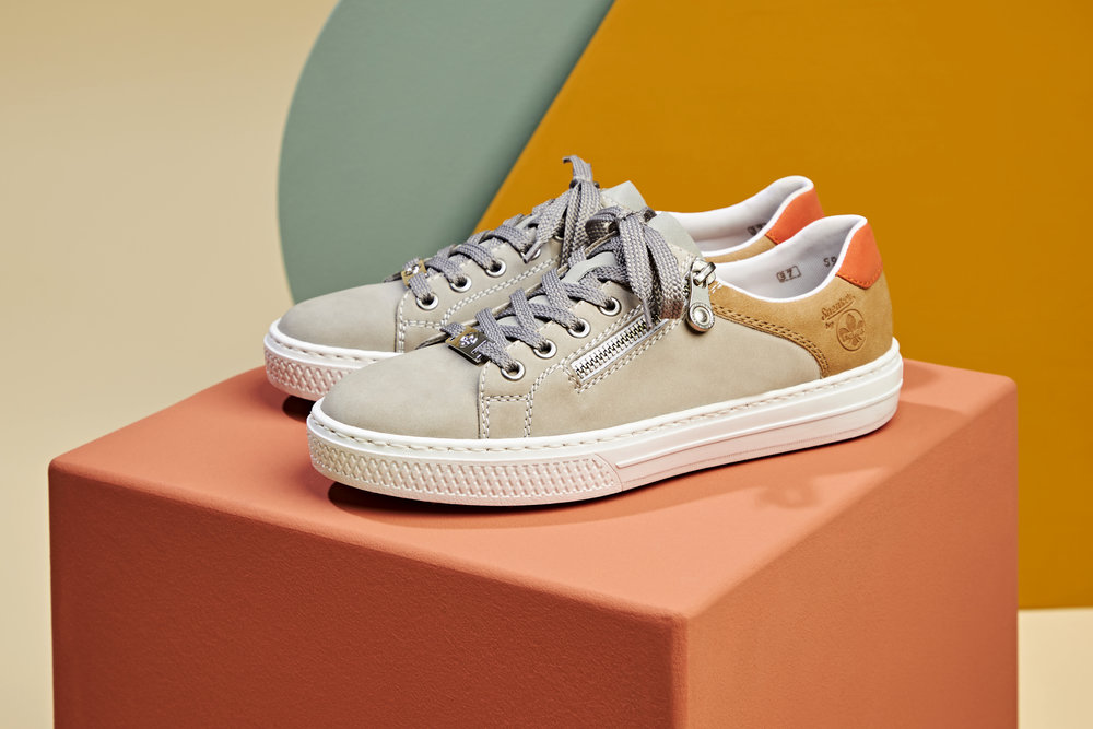 L59A1-40  Rieker grey laced trainers